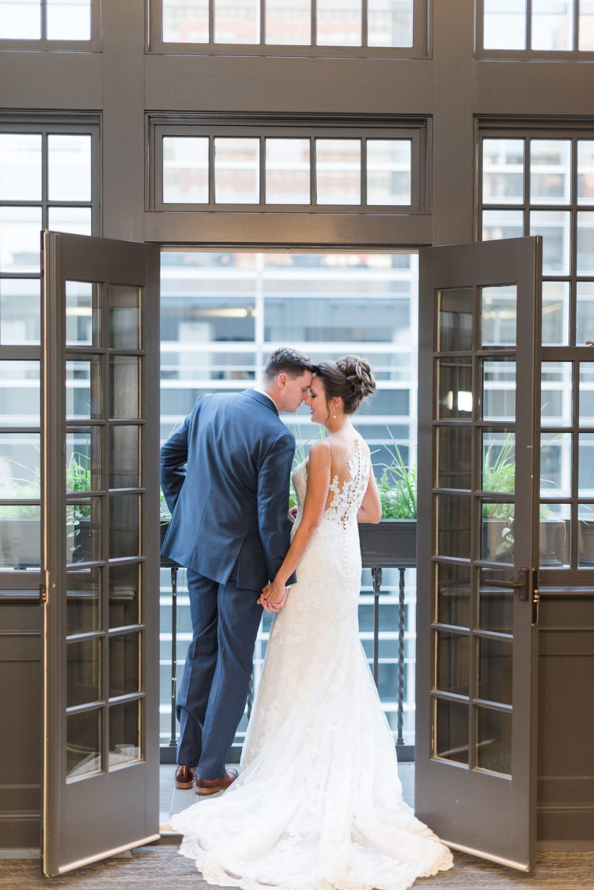 Des Moines Tea Room Wedding Photographer
